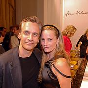 NLD/Amsterdam/20060911 - Modeshow Frans Molenaar winter 2006, Robert Schoemacher en partner Claudia van Zweden