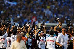 Fotógrafos trabalham na partida entre as equipes do Internacional e Gremio (RS) realizada no Estadio da Beira Rio, em Porto Alegre, valida pela final do Campeonato Gaucho. FOTO: Jefferson Bernardes/Preview.com