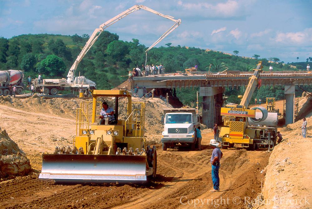 MEXICO, INDUSTRY Road construction creating new coastal expressway linking Poza Rica and Tuxpan in Veracruz