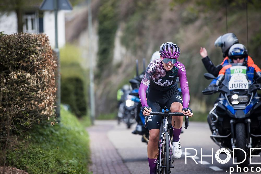 Pauliena Rooijakkers (NED/Liv Racing) up the Geulhemmerberg chasing the Grace Brown.. <br /> <br /> 7th Amstel Gold Race Ladies Edition <br /> Valkenburg > Valkenburg 116km<br /> <br /> ©RhodePhoto