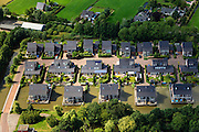 Nederland, Utrecht, Gemeente Woerden, 15-07-2012; Schilderskwartier, nieuwbouwwijkje met waterpartij, grenzend aan landelijk gebied. .New residential area on the water, adjacent to the polder. Villas..luchtfoto (toeslag), aerial photo (additional fee required).foto/photo Siebe Swart