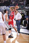 DESCRIZIONE : Caserta Lega A 2011-12 Pepsi Caserta Scavolini Siviglia Pesaro<br /> GIOCATORE : Daniele Cavaliero<br /> SQUADRA : Scavolini Siviglia Pesaro<br /> EVENTO : Campionato Lega A 2011-2012<br /> GARA : Pepsi Caserta Scavolini Siviglia Pesaro<br /> DATA : 12/11/2011<br /> CATEGORIA : palleggio passaggio<br /> SPORT : Pallacanestro<br /> AUTORE : Agenzia Ciamillo-Castoria/GiulioCiamillo<br /> Galleria : Lega Basket A 2011-2012<br /> Fotonotizia : Caserta Lega A 2011-12 Pepsi Caserta Scavolini Siviglia Pesaro<br /> Predefinita :