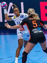 14-12-2018 FRA: Women European Handball Championships France - Netherlands, Paris<br /> Second semi final France - Netherlands / Dione Housheer #27 of Netherlands