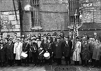 Survivors of the Rising outside Kilmainham for the 1916 Commemoration, April 1966. <br /> (Part of the Independent Newspapers Ireland/NLI Collection)