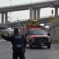 TOLUCA, México.- (Diciembre 17, 2018).- Una bodega localizada sobre Boulevard Aeropuerto y la carretera federal Toluca-Naucalpan, en donde se almacenaban telas, se incendio la tarde de este lunes, no se reportan lesionados, Bomberos de Toluca apoyados por los cuerpos de emergencias de Lerma y Metepec controlaron el incendio después de varias horas. Agencia MVT / Crisanta Espinosa.