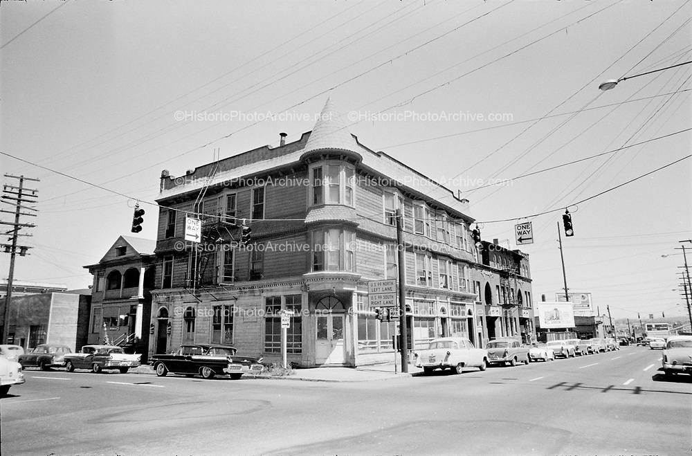 Y-600900B-05.looking northeast at SW 2nd & Market Street. South Auditorium District. Downtown Urban renewal. September 1960