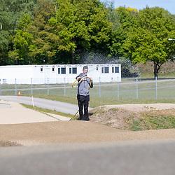 05-05-2020: Wielrennen: BMX KNWU: Papendal<br />De BMX'ers met A status mochten weer trainen dus de baan moet geprepareerd worden