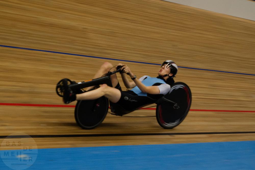 David Wielemaker heeft op de wielerbaan in Apeldoorn een nieuw wereldrecord gereden op de 1 kilometer.