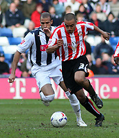 Photo: Mark Stephenson.<br />West Bromwich Albion v Sunderland. Coca Cola Championship. 03/03/2007.<br />Sunderland's Danny Simpson is on the ball