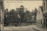 Zagreb : Kipni trg - Popov toranj. <br /> <br /> ImpresumS. l. : S. n., [1915].<br /> Materijalni opis1 razglednica : tisak ; 9 x 13,9 cm.<br /> Vrstavizualna građa • razglednice<br /> ZbirkaZbirka razglednica • Grafička zbirka NSK<br /> Formatimage/jpeg<br /> PredmetZagreb –– Ilirski trg<br /> SignaturaRZG-ILIR-4<br /> Obuhvat(vremenski)20. stoljeće<br /> NapomenaRazglednica je putovala 1915. godine.<br /> PravaJavno dobro<br /> Identifikatori000954201<br /> NBN.HRNBN: urn:nbn:hr:238:837353 <br /> <br /> Izvor: Digitalne zbirke Nacionalne i sveučilišne knjižnice u Zagrebu
