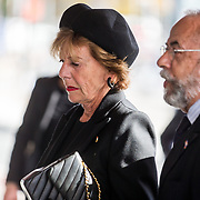 NLD/Amsterdam/20171014 - Besloten erdenkingsdienst overleden burgemeester Eberhard van der Laan, Oscar Hammerstein en Neelie Smit Kroes