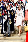 """Koning Willem Alexander wordt door Hare Majesteit Koningin Elizabeth II geïnstalleerd in de 'Most Noble Order of the Garter'. Tijdens een jaarlijkse ceremonie in St. Georgekapel, Windsor Castle, wordt hij geïnstalleerd als 'Supernumerary Knight of the Garter'.<br /> <br /> King Willem Alexander is installed by Her Majesty Queen Elizabeth II in the """"Most Noble Order of the Garter"""". During an annual ceremony in St. George's Chapel, Windsor Castle, he is installed as """"Supernumerary Knight of the Garter"""".<br /> <br /> Op de foto / On the photo:  Koning Willem Alexander en Koningin Maxima / King Willem Alexander and Queen Maxima"""