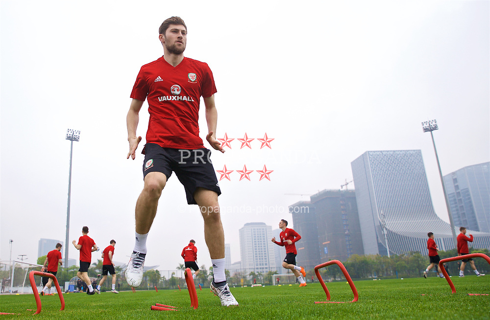 NANNING, CHINA - Saturday, March 24, 2018: Wales' Ben Davies during a training session at the Guangxi Sports Centre ahead of the 2018 Gree China Cup International Football Championship final match against Uruguay. (Pic by David Rawcliffe/Propaganda)