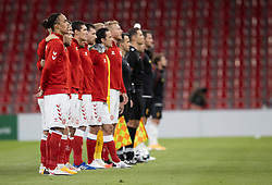 Det danske hold under nationalsangen, før UEFA Nations League kampen mellem Danmark og Belgien den 5. september 2020 i Parken, København (Foto: Claus Birch).