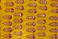 Inde, Rajasthan, Balotra, fabrique artisanale de textile avec impression au tampon // India, Rajasthan, Balotra, block printing textile