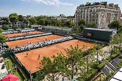 May 27, 2017 - Paris, Frankreich - Paris, 27.05.2017, Tennis - French Open 2017, Uebersicht auf dem Court 6, 8 und 10 waehrend des Training von Roberta Vinci (ITA, L) und Viktorija Golubic (SUI, R) (Credit Image: © Pascal Muller/EQ Images via ZUMA Press)