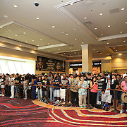 """Fans pack the lobby of the MGM Grand Garden Arena prior to the official weigh-ins for the Mayweather versus Maidana boxing match slated as """"The Moment"""", at the MGM Grand hotel on Friday, May 2, 2014 in Las Vegas, Nevada.  (AP Photo/Alex Menendez)"""