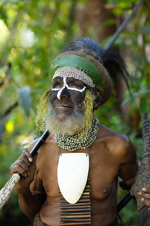 Portrait of a village chief, Praiya village, Mount Hagen, Papa New Guinea