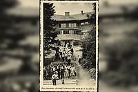 Sljeme : Tomislavov dom H. P. D. 1012 m. <br /> <br /> ImpresumZagreb : Naklada Hrvatskog planinarskog društva, [1941].<br /> Materijalni opis1 razglednica : tisak ; 8,8 x 13,7 cm.<br /> Korporativni suradnikFotoveletrgovina Griesbach i Knaus (Zagreb)<br /> NakladnikHrvatsko planinarsko društvo (Zagreb)<br /> Mjesto izdavanjaZagreb<br /> Vrstavizualna građa • razglednice<br /> ZbirkaGrafička zbirka NSK • Zbirka razglednica<br /> Formatimage/jpeg<br /> PredmetMedvednica • Zagreb<br /> SignaturaRZG-SLJE-15<br /> Obuhvat(vremenski)20. stoljeće<br /> NapomenaRazglednica je putovala 1941. godine. • Marka u vrijednosti 1 dinara Nezavisne države Hrvatske tiskana je preko marke Kraljevine Jugoslavije u vrijednosti 3 dinara. • Na poleđini razglednice iznad razdjelne linije otisnut je monogram GLZ, vjerojatno Ljudevit Griesbach kao autor fotografije po kojoj nastaje razglednica.<br /> PravaJavno dobro<br /> Identifikatori000954807<br /> NBN.HRNBN: urn:nbn:hr:238:513068 <br /> <br /> Izvor: Digitalne zbirke Nacionalne i sveučilišne knjižnice u Zagrebu