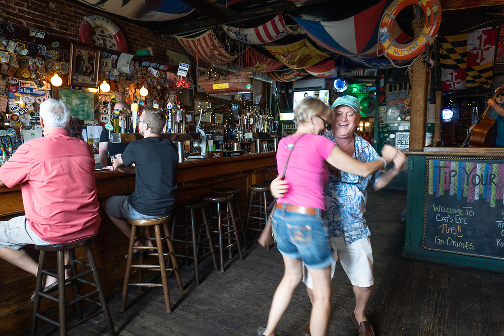 The crew - Brian, Greg, Bob, Tony and Barbara - travel to the Cat's Eye Pub in Fell's Point to see Steve Kramer and band (and meet up with Steve Hulbert).