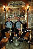Fotball, jannuar 2003,, Brügge på treningsleir i Antalya Topkapi Palace, Tyrkia, med Bengt Sæternes, Rune Lange, vannpipe?<br />Foto: Philippe Crochet, Digitalsport