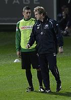 Fotball<br /> Foto: imago/Digitalsport<br /> NORWAY ONLY<br /> <br /> 05.01.2013 - Fussball - 1. Bundesliga - Saison 2012 2013 - SpVgg Greuther Fürth - Trainingslager SpVgg Greuther Fürth Belek Türkei - / - Michael Mike Büskens Bueskens (Trainer SpVgg Greuther Fürth ) bei Nikola Djurdjic ( SpVgg Greuther Fürth )