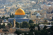 Israel, Jerusalem, Dome of the Rock and Temple Mount covered in snow January 2008