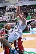 DESCRIZIONE : Siena Lega A 2013-14 Montepaschi Siena vs EA7 Emporio Armani Milano playoff Finale gara 4<br /> GIOCATORE : Tomas Ress<br /> CATEGORIA : Schiacciata Sequenza<br /> SQUADRA : Montepaschi Siena<br /> EVENTO : Finale gara 4 playoff<br /> GARA : Montepaschi Siena vs EA7 Emporio Armani Milano playoff Finale gara 4<br /> DATA : 21/06/2014<br /> SPORT : Pallacanestro <br /> AUTORE : Agenzia Ciamillo-Castoria/GiulioCiamillo<br /> Galleria : Lega Basket A 2013-2014  <br /> Fotonotizia : Siena Lega A 2013-14 Montepaschi Siena vs EA7 Emporio Armani Milano playoff Finale gara 4<br /> Predefinita :