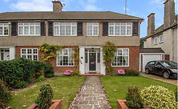 EXCLUSIVE ***DO NOT BYLINE*** Isabella Cruise and husband Max Parker were seen moving into this property at the weekend.<br /> The property was recently sold on 30 May 2017 for £535,000 way above the average for the area. <br /> <br /> 4 October 2017.<br /> <br /> Please byline: ***DO NOT BYLINE***<br /> <br /> Vantage News does not claim any copyright or licence in the attached material any  downloading fees charged by Vantage News are for Vantage News services only, and do not, nor are they intended to, convey to the user any copyright or licence in the material. By publishing the material, the user expressly agrees to indemnify and to hold Vantage News harmless from any claims, demands, or causes of action arising out of or connected in any way with user's publication of the material.