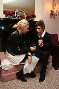 LADY SOPHIA HESKETH AND EDDIE REDMAYNE.  Dinner hosted by Elizabeth Saltzman for Donatella Versace. Claridge's Hotel, Brook Street, Mayfair, London. 11 March 2008.  *** Local Caption *** -DO NOT ARCHIVE-© Copyright Photograph by Dafydd Jones. 248 Clapham Rd. London SW9 0PZ. Tel 0207 820 0771. www.dafjones.com.