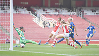 Football - 2021 / 2022 Women's Super League - Arsenal vs Chelsea - Emirates Stadium - Sunday 5th September 2021<br /> <br /> Chelsea FC Women's Erin Cuthbert scores her side's equalising goal to make the score 1-1 .<br /> <br /> COLORSPORT/Ashley Western