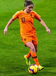 09-11-2018 NED: UEFA WC play-off final Netherlands - Switzerland, Utrecht<br /> European qualifying for the 2019 FIFA Women's World Cup - Danielle van de Donk #10 of Netherlands