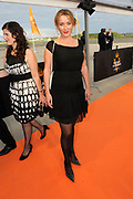 Premiere nieuwe cast Soldaat van Oranje<br /> Caption op het voormalige vliegveld Valkenburg in Katwijk. De musical blijft hier nog tot en met januari 2012 te zien in de TheaterHangaar. <br /> <br /> Op de foto:<br /> <br />  Annick Boer