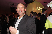 Harvey Weinstein, Lancome Colour Design Awards, Ex-Saatchi gallery, 17 November 2004. ONE TIME USE ONLY - DO NOT ARCHIVE  © Copyright Photograph by Dafydd Jones 66 Stockwell Park Rd. London SW9 0DA Tel 020 7733 0108 www.dafjones.com