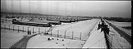 La parte maschile del campo di Birkeanu vista dalla torretta di guardia delle SS