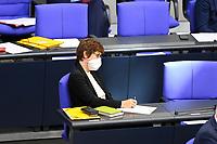 DEU, Deutschland, Germany, Berlin, 25.08.2021: Bundesverteidigungsministerin Annegret Kramp-Karrenbauer (CDU) während der Debatte zum Bundeswehreinsatz zur Evakuierung aus Afghanistan in der Plenarsitzung im Deutschen Bundestag.