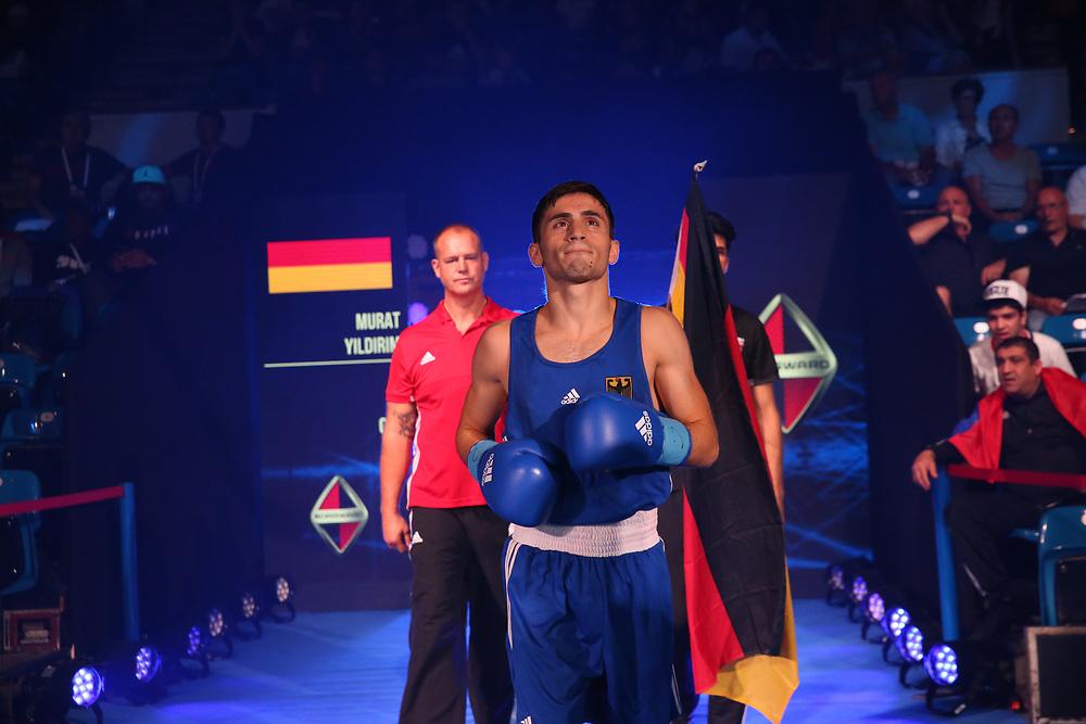 Boxen: AIBA Box-WM, Day 7, Hamburg, 28.08.2017<br /> 60 Kg: Arashi Morisaka (JPN, red) - Murat Yildirim (GER, blue)<br /> © Torsten Helmke