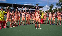 AMSTELVEEN - Billy Bakker (Ned)  met beker  viert het kampioenschap tijdens de finale van het EK Hockey tussen Duitsland en Nederland in het Wagener Stadion op 12 juni 2021 in Amstelveen. COPYRIGHT KOEN SUYK