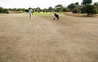 ZANDVOORT  - bruine droge fairways  van de Kennemer G &CC,  hole A1, omdat de fairways niet gesproeid worden.  COPYRIGHT  KOEN SUYK Copyright Koen Suyk