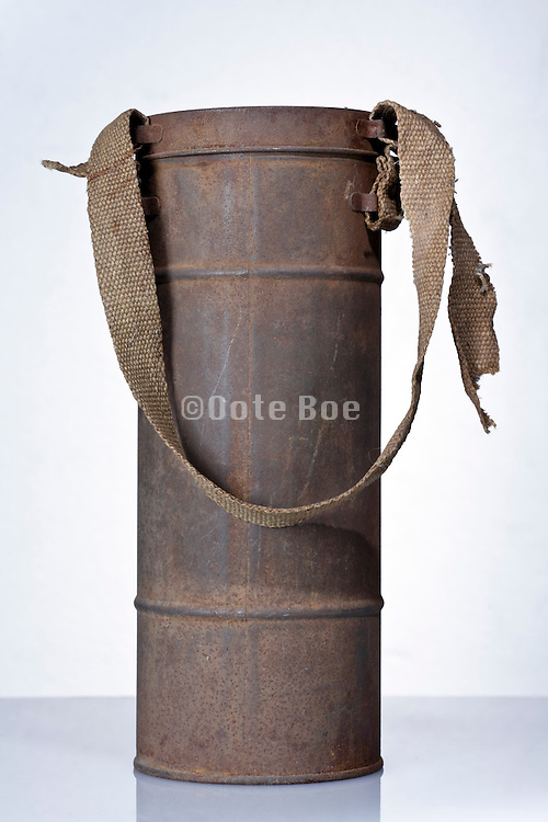gas mask storage and transport canister