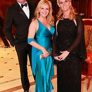 NLD/Noordwijk/20110326 - Inloop Spieren voor Spieren Gala 2011, Marika de Zwart - van den Brink met vrienden
