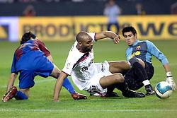 03-03-2007 VOETBAL: SEVILLA FC - BARCELONA: SEVILLA  <br /> Sevilla wint de topper met Barcelona met 2-1 / Frederic Kanoute scoort bijna de 3-1<br /> ©2006-WWW.FOTOHOOGENDOORN.NL