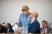 DEU, Deutschland, Germany, Berlin, 16.05.2017: Bundeskanzlerin Dr. Angela Merkel (CDU) und CDU-Generalsekretär Dr. Peter Tauber vor Beginn der Fraktionssitzung der CDU/CSU im Deutschen Bundestag.