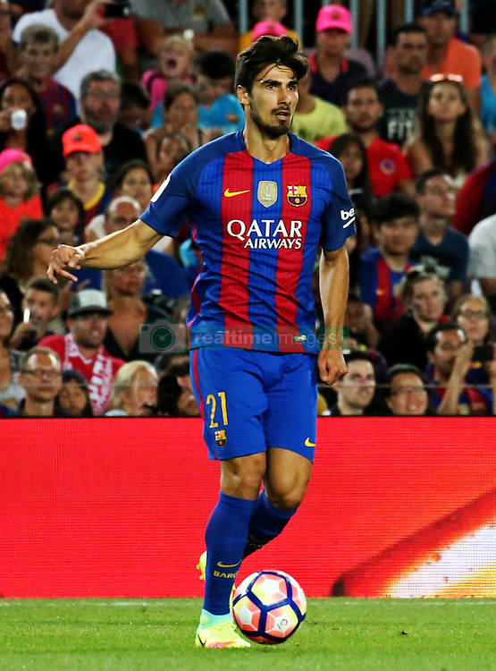 August 10, 2016 - Barcelona, Catalonia, Spain - Andre Gomes during the match corresponding to the Joan Gamper Trophy, played at the Camp Nou stadiium, on august 10, 2016. (Credit Image: © Joan Valls/NurPhoto via ZUMA Press)