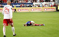 Fotball<br /> Tippeligaen Eliteserien<br /> 30.06.08<br /> Fredrikstad Stadion<br /> Fredrikstad FFK - Vålerenga VIF<br /> Oslolaget ned for telling illustrert ved Allan Jepsen - Jan Tore Ophaug til venstre<br /> Foto - Kasper Wikestad