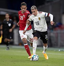 Yussuf Poulsen (Danmark) og Thorgan Hazard (Belgien) under UEFA Nations League kampen mellem Danmark og Belgien den 5. september 2020 i Parken, København (Foto: Claus Birch).