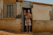Mr. Silva lives in a makeshift low quality plywood shack in Rosa Leão Occupancy, Isidoro area. Even without many resources, he uses to share what he gains with his neighboors.