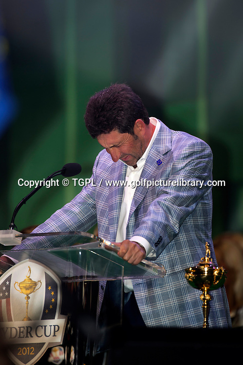 Jose Maria OLAZABAL (EUR) during closing ceremony struggling to hold back his tears trying say how much he misses his great friend Seve BALLESTEROS (EUR),Ryder Cup Matches,Medinah CC,<br /> Medinah,Illinois,USA.