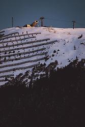 THEMENBILD - die geschlossene Bergstation der Westgipfel Bahn bei Sonnenuntergang, aufgenommen am 20. Jänner 2021 in Saalbach Hinterglemm, Österreich // the closed mountain station of the Westgipfel cable car at sunset, Saalbach Hinterglemm, Austria on 2021/01/20. EXPA Pictures © 021, PhotoCredit: EXPA/ JFK
