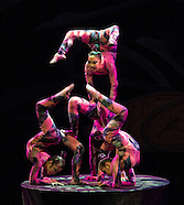 030213 Golden Dragon Acrobats: Cirque Zíva